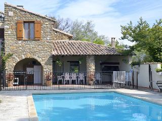 Vaison-la-Romaine, caracterful restored landhouse 10p. private pool - Vaison-la-Romaine vacation rentals