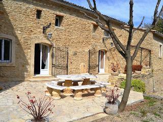 Breathtaking overlook on Vaison-la-Romaine for this caracterful restored landhouse 10p - Vaison-la-Romaine vacation rentals