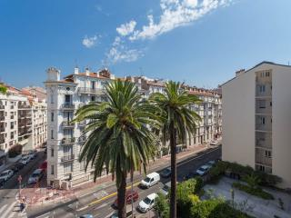 Beach side full apartment (Golden district Nice) - Nice vacation rentals