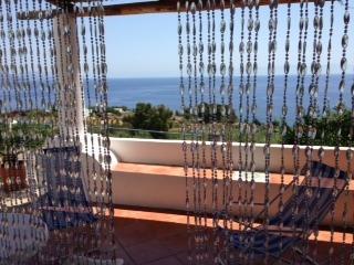 monolocale in villa angolo cottura e bagno Rinella - Leni vacation rentals