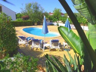 2 Bedroom, Cottage Silvestre, Alcantarilha - Alcantarilha vacation rentals