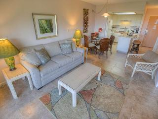 Top Floor One-Bedroom Condo with an Ocean View! - Kihei vacation rentals