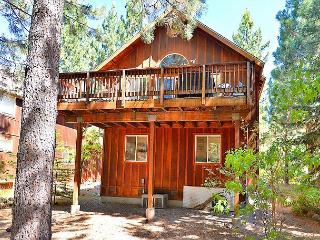 3BR Dog-Friendly Chalet With Large Pine-View Deck, 6 Blocks to Kings Beach - Kings Beach vacation rentals