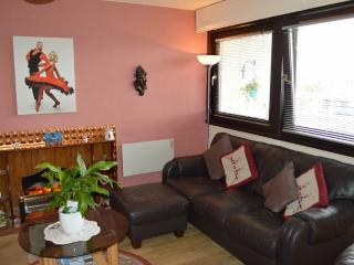 Aberdeen City Centre Apartment & Private Balcony - Aberdeen vacation rentals