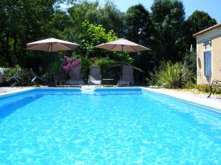 2 bedroom Gite with Internet Access in Tournon-d'Agenais - Tournon-d'Agenais vacation rentals