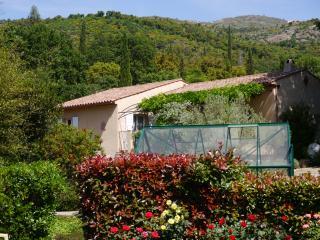 Villa Rive Belle - au coeur du Massif des Maures. - Grimaud vacation rentals