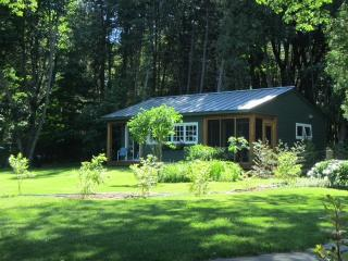 Lovely 2 bedroom Cottage in North Hero - North Hero vacation rentals