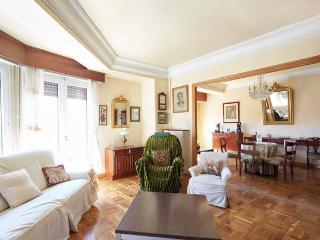 PAMPLONA C/GONZALEZ TABLAS Nº 6 - Pamplona vacation rentals