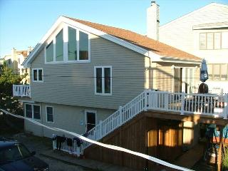 Ocean Block Single Family Home - 16a Dickinson - Dewey Beach vacation rentals