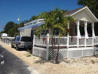 Perfect Caravan/mobile home with Internet Access and Dishwasher - Islamorada vacation rentals
