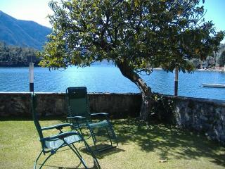 Lake Como-Ossuccio apartment directly on the lake - Ossuccio vacation rentals