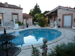Cozy 1 bedroom Colomiers House with Internet Access - Colomiers vacation rentals