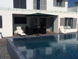 Casa com piscina a 50m da praia - Torres Vedras vacation rentals