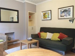 AJEM 5 South Sloan Street 2 bed sleeps 6 free wifi - Edinburgh vacation rentals
