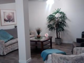 Cozy Condo with Parking and Patio - Southampton vacation rentals