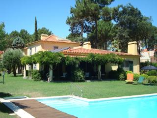 Spacious Luxury Villa, Pool, golf, peaceful. - Azeitao vacation rentals