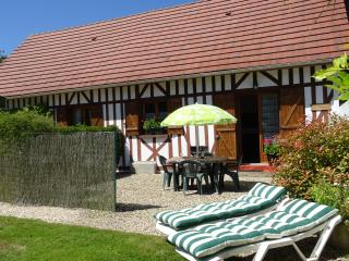 LA MAISMENT: clean, comfortable home from home, perfect for visiting Normandy - Brionne vacation rentals