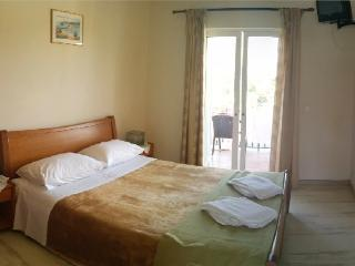 Apartment Thomas - Dassia vacation rentals