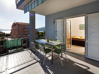 Holiday accommodation with large balcony 5934 - Okrug Gornji vacation rentals