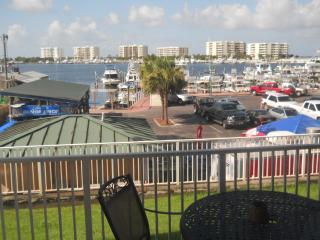 BEST LOCATION in DESTIN - Destin vacation rentals