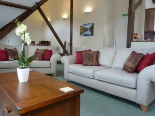 Lovely 3 bedroom Keswick Cottage with Internet Access - Keswick vacation rentals