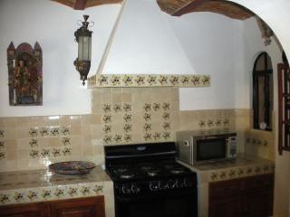 Casa Osborne in Guadiana, 2 bedroom, 2.5 baths - San Miguel de Allende vacation rentals
