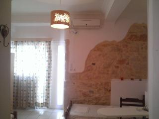 Studio apartment for 2 near the city center. - Heraklion vacation rentals