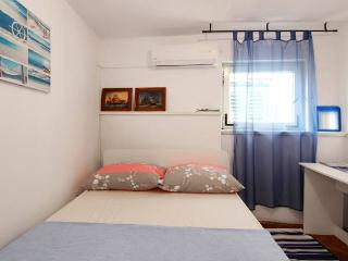 2 bedroom apartment on the main square - Split vacation rentals