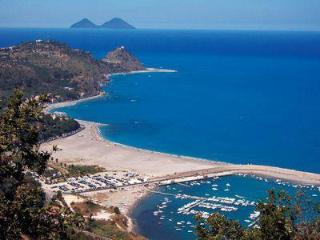 2 bedroom Apartment with A/C in Capo D'orlando - Capo D'orlando vacation rentals