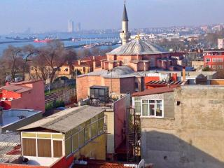 Economy,Comfort & cleanliness room - Istanbul vacation rentals