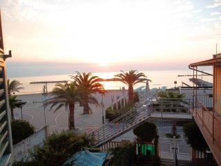 PRIMA FILA MARE-Grottammare mon amour-Marina Picc - Grottammare vacation rentals