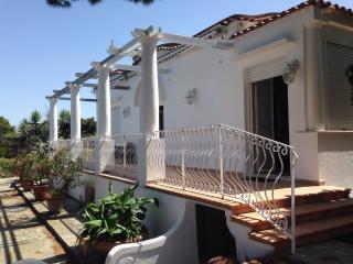 Graziosa Villa con Giardino - Anacapri vacation rentals