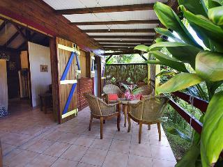 "KAZ KAYOU ,  bungalow ""IWANA"" - Bouillante vacation rentals"