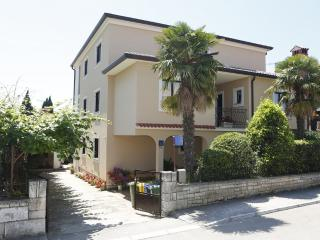 Guesthouse Ana room - Rovinj vacation rentals