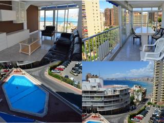"Levante and Rincoin Halcon ""Great Swimming pool"" - Benidorm vacation rentals"