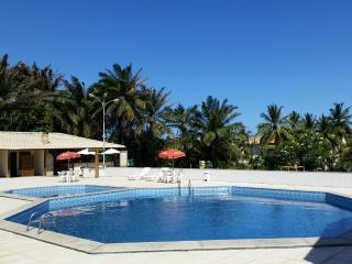 Casa no melhor Condomínio da Praia do Flamengo SSA - Salvador vacation rentals