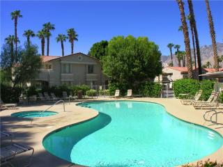 Lovely 1 bedroom Palm Springs Condo with A/C - Palm Springs vacation rentals