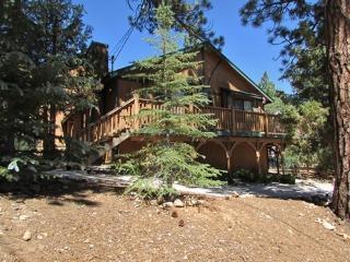 4 bedroom Cabin with Internet Access in Moonridge - Moonridge vacation rentals