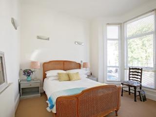 Elegant and Spacious -  London Kensington Sw5 - London vacation rentals
