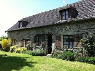 Normandy Holiday Cottage near Neuily Le Vendin. - Mayenne vacation rentals