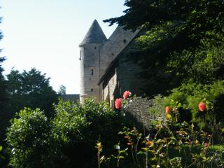 Nice Studio with Internet Access and Television - Port-en-Bessin-Huppain vacation rentals