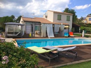 Nice Guest house with Internet Access and Shared Outdoor Pool - Nans-les-Pins vacation rentals