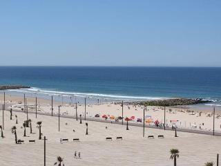 Apartamento T2 junto mar beach - Costa da Caparica vacation rentals