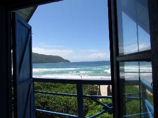 casa na beira do mar sul da ilha - Pantano do Sul vacation rentals