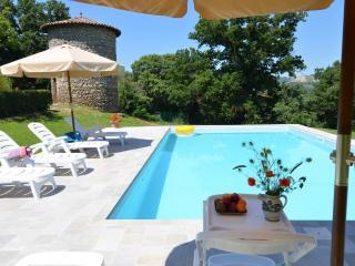 Charming Old Farmhouse on the Lazio/Umbria borders - Civitella d'Agliano vacation rentals