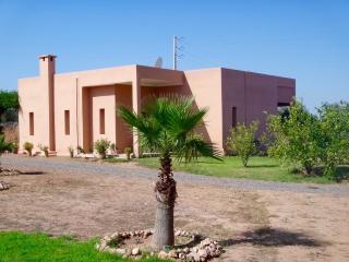 Villa avec piscine privée et personnel - Tameslouht vacation rentals