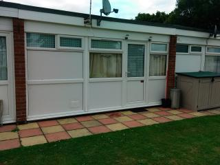 Deluxe Hemsby Holiday Chalet. Belle Aire Site. - Hemsby vacation rentals