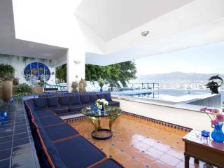 Casa Delfin Panoramic View of Acapulco Bay - Acapulco vacation rentals