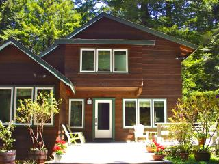 Redwood Magic-Fully Fenced Acre Ringed by Redwoods - Mendocino vacation rentals