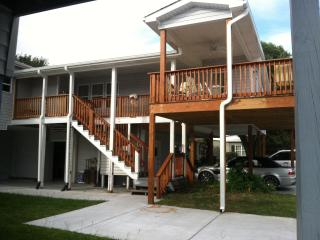 5 Bdm 4 Bth 1 min.walk to Bch, includes apartment - Surfside Beach vacation rentals